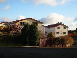 Photo of Ossies Motels And Chalets