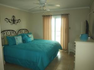 Two-Bedroom Apartment with Gulf View