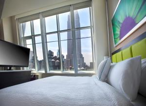 Queen Studio with Two Queen Beds and City View