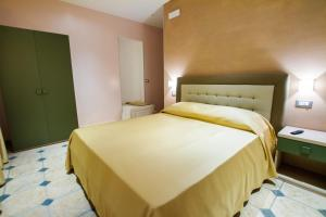 La Suite del Faro, Bed & Breakfast  Scalea - big - 5