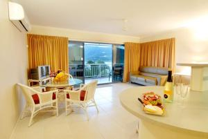 Coral Sea Vista Apartments - Airlie Beach, Queensland, Australia