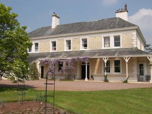 Beaconside Country House & Cottages