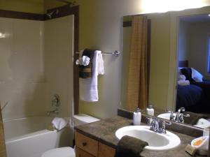 Two-Bedroom Apartment – Powder Room – Unit 32