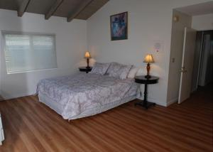 Balboa Pier 4 Bedroom Duplex   Unit A