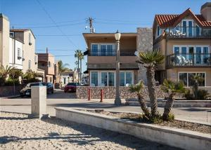 Photo of Newport Beach Boardwalk 3 Bedroom Home