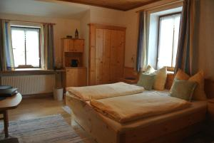 Landhaus Neubauer - Zimmer, Bed and breakfasts  Millstatt - big - 12