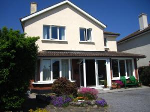 Claremont B&B, Bed and Breakfasts  Galway - big - 1