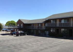 Photo of Northern Lakes Inn