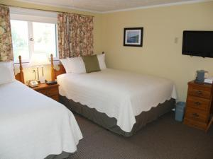 Queen Room with Double Bed