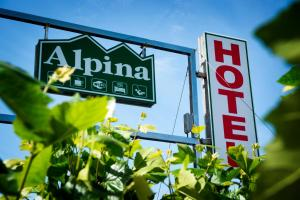 Hotel Alpina, Hotely  Villanueva de Arosa - big - 30