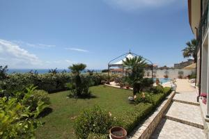 La Suite del Faro, Bed & Breakfast  Scalea - big - 41