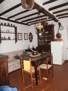 Large Apartma In The Woods Of Tuscany