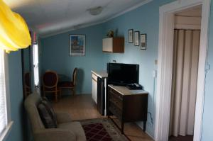 Double Room with one Double Bed - Top Floor-50