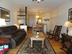 Three-Bedroom Apartment - #A5