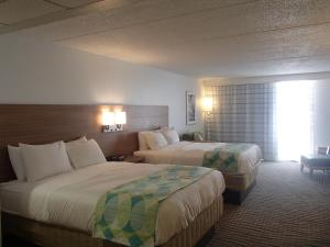 Deluxe Queen Room with Two Queen Beds with Beach View - Non Smoking
