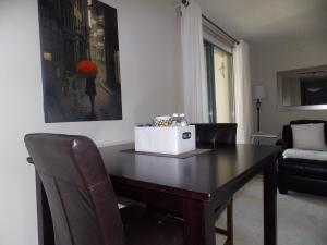 Fast Lane Suites In Tarjan Pointe