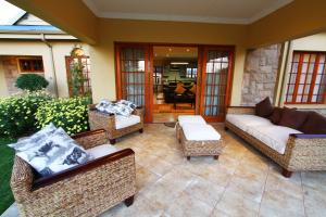 Three-Bedroom Holiday Home - Rose Park Naledi Drive