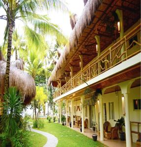Photo of Mike's Dauin Beach Resort