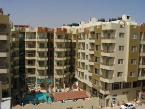 Two Bedroom Apartment, Paradise Hills Hotel   Unit 106155
