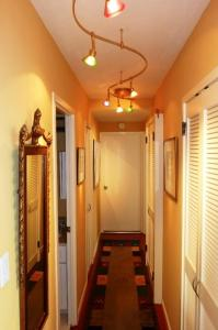 Photo of Amsi Pacific Heights One Bedroom Condo