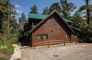 Among The Hemlocks By Gatlinburg Cabins Online