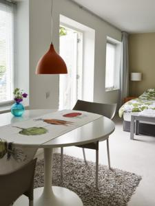 B&B De Oelesprong Westernieland, Bed and Breakfasts  Westernieland - big - 3