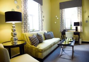 Queen Suite with Sofa Bed - 1