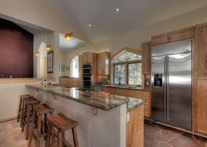 Squaw Valley Retreat By Tahoe Vacation Rentals
