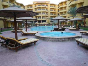 One Bedroom Apartment In British Resort Compound   Unit 97564