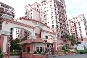 Photo of Marina Court @ Niza