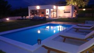 Photo of Luxury Villa Luminosa