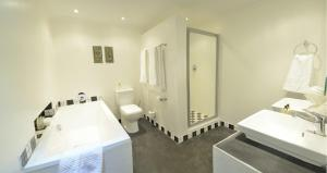 Luxury Suite with Bath and Shower