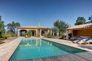 Photo of Squarebreak   Villa In Bormes Les Mimosas