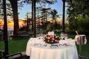 Wildflower Hall Shimla, Отели  Шимла - big - 59