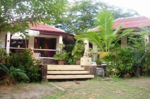 The Emerald Bungalows Resort