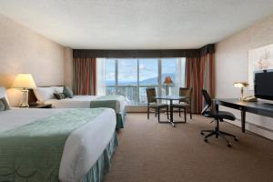 Superior Double Room with Two Double Beds and Ocean View