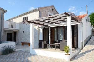 Casa vacanze Traditional Stone Holiday Home Zadar, Zara