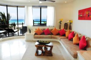 Premium Three-Bedroom Suite with Sea View
