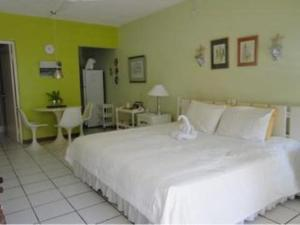 Photo of Chrisanns Beach Resort Apartment 22