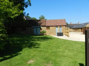 Hillside Holiday Cottages in Warmington, Warwickshire, England