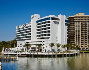 Waterstone Resort And Marina, A Double Tree By Hilton