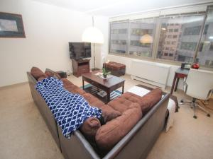 Luxury 2 Bedroom Apartment By Rittenhouse