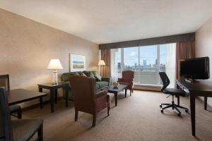 Superior One Bedroom Suite with Two Double Beds and City View