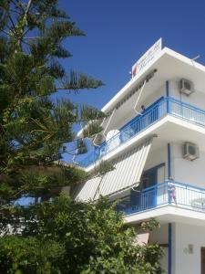Sunrise Flora, Apartments  Agia Marina Aegina - big - 34