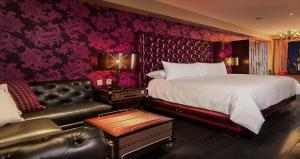 Special Offer - Deluxe King Room - Non-Smoking