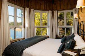 Double or Twin Room with Lake View