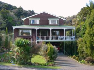 Top Storey Bed & Breakfast
