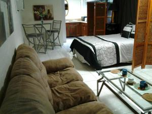 Studio Vacation Rental At Hawaiian Monarch With Free Parking