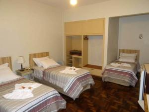 Deluxe Triple Room with 3 Single beds