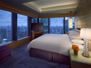 Business Travel Package - Premier King or Twin Room